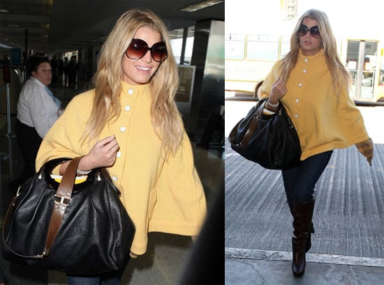 Photos of Jessica Simpson at LAX 2008-11-05 07:05:00