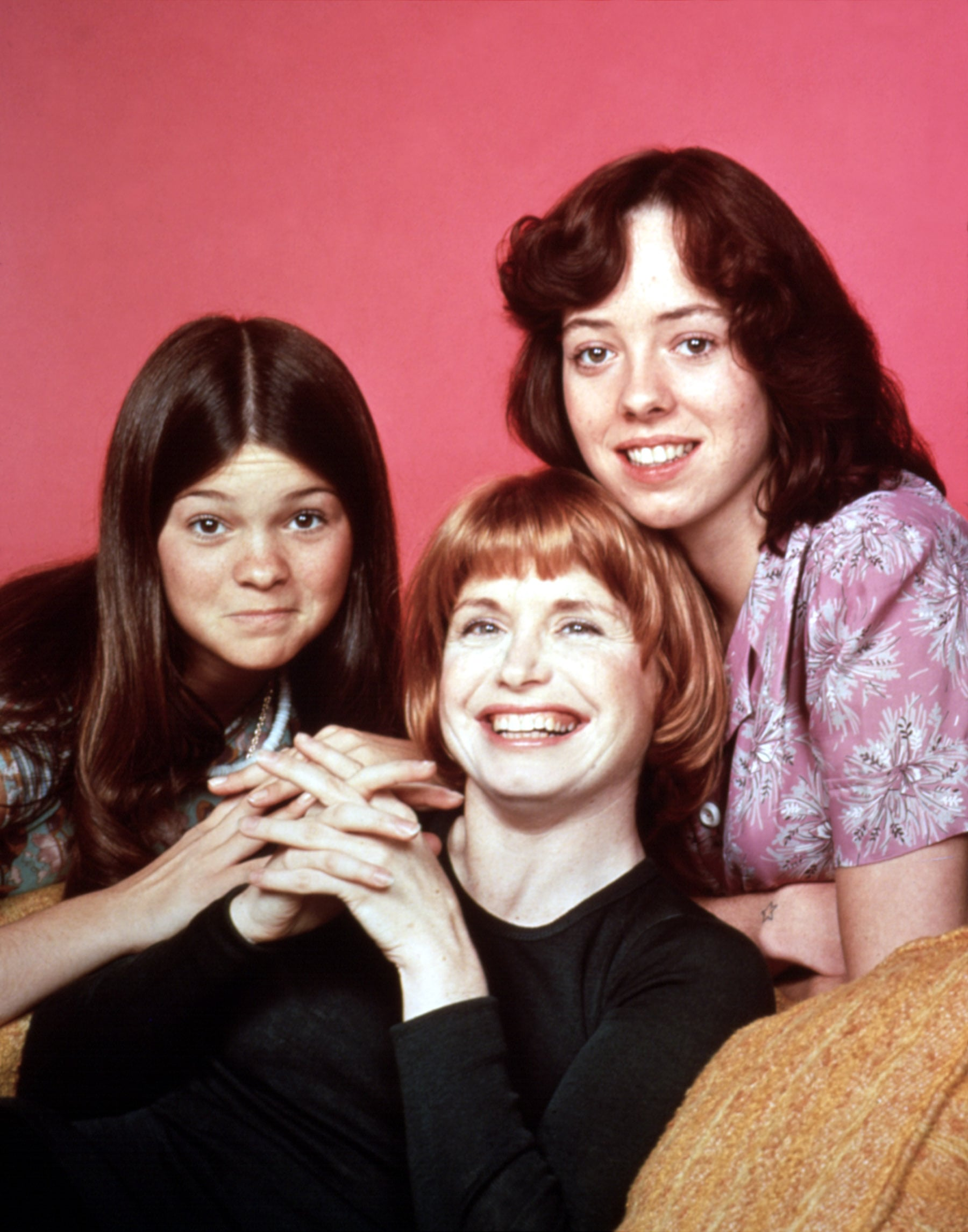 ONE DAY AT A TIME, Valerie Bertinelli, Bonnie Franklin, Mackenzie Phillips, 1975-84