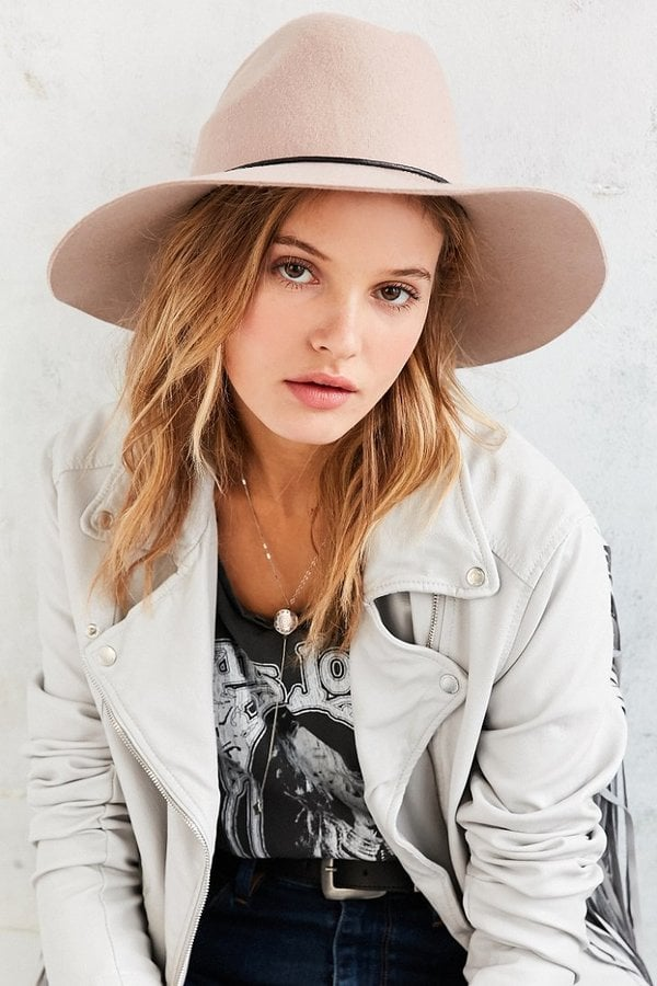 Urban-Outfitters-Tie-Back-Wide-Brim-Hat-49 Road Trip Essentials–20 Best Outfits For Traveling in Summers
