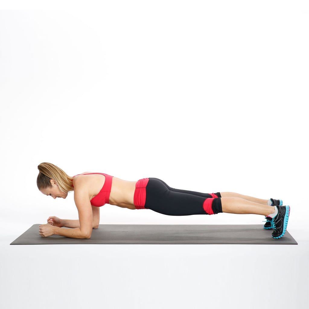 Workout Photography: Elbow Plank With Hip Dips
