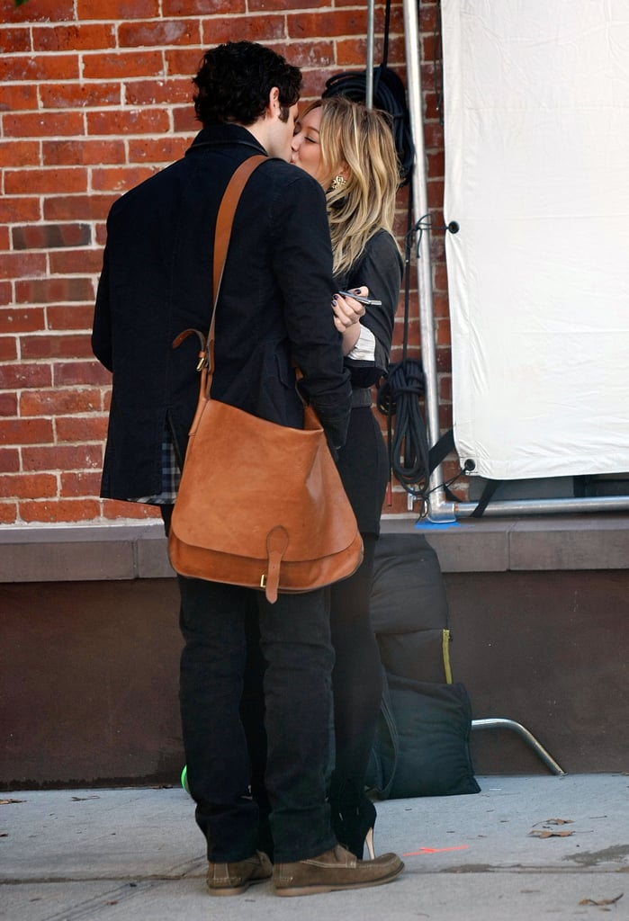 Penn Badgley and Hilary Duff Kissing For Gossip Girl