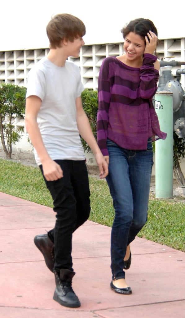 Before they were officially a couple, Justin and Selena hung out at Miami beach in December 2010.