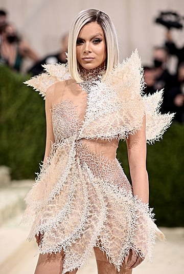 Hailee Steinfeld Looked Unrecognizable at the 2021 Met Gala