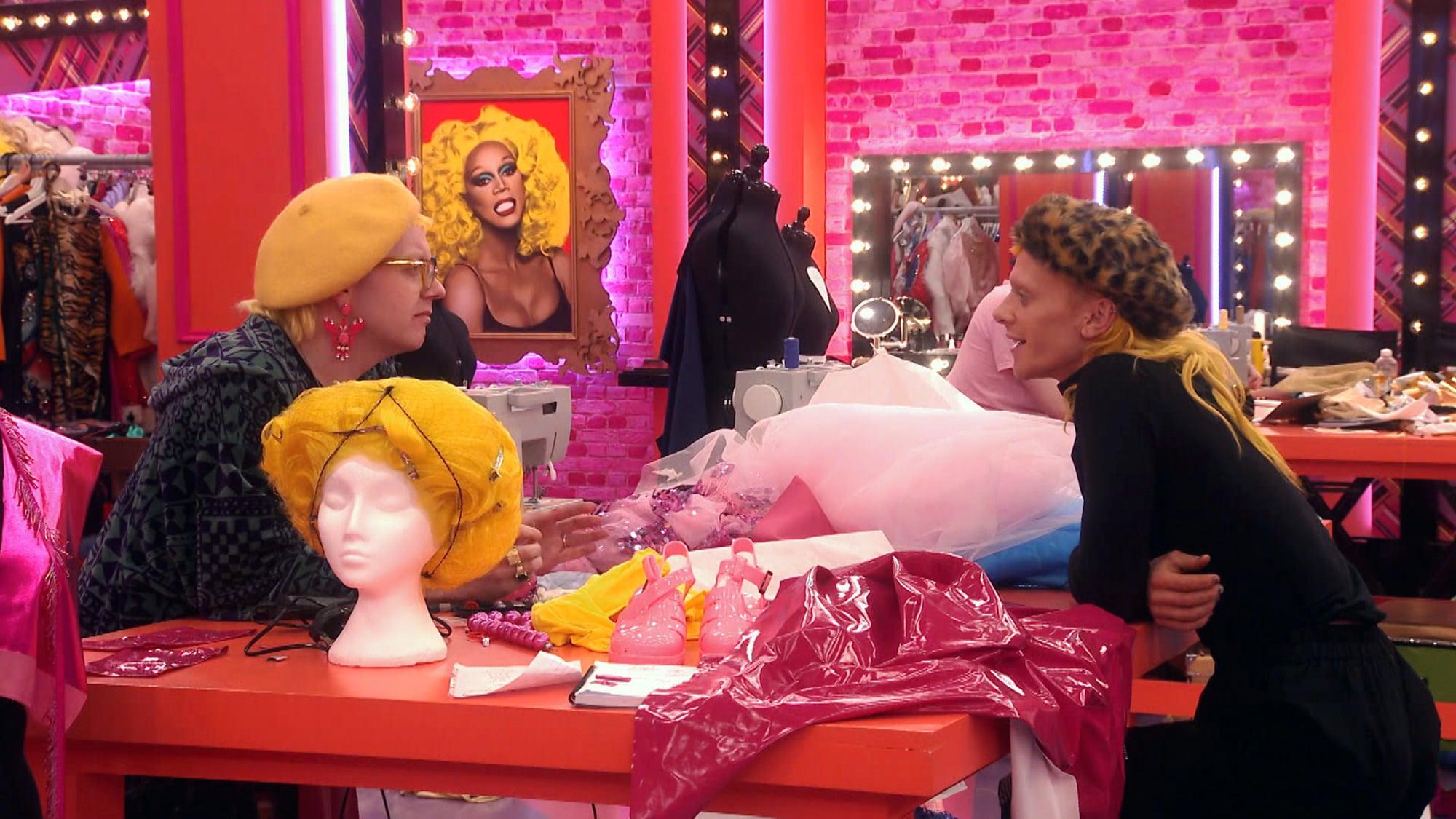 نام برنامه: RuPaul's Drag Race UK سریال 2 - TX: n / a - قسمت: RuPaul's Drag Race series UK 2 قسمت 3 (شماره 3) - نمایش های عکس: جینی لیمون ، Bimini Bon Boulash - (C) World of Wonder - عکاس : گای لوی
