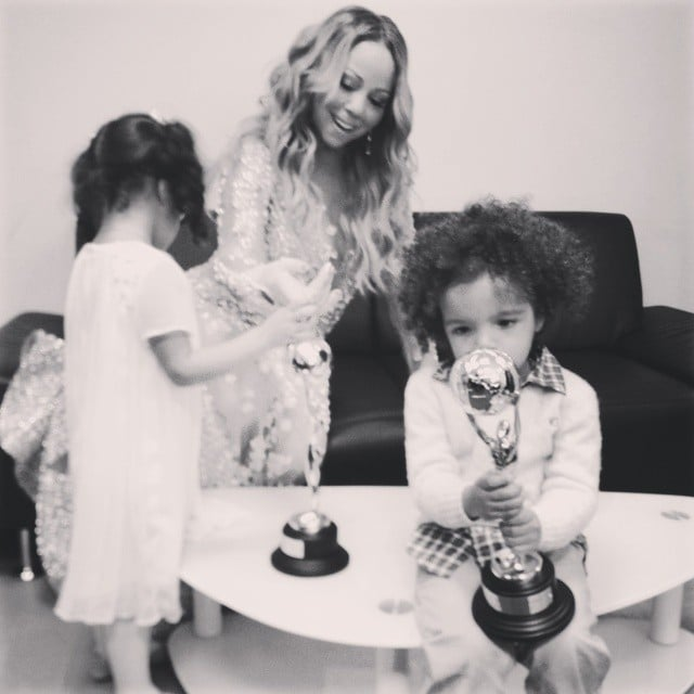 Mariah Carey celebrated her World Music Award with her twins, Moroccan and Monroe. Source: Instagram user mariahcarey