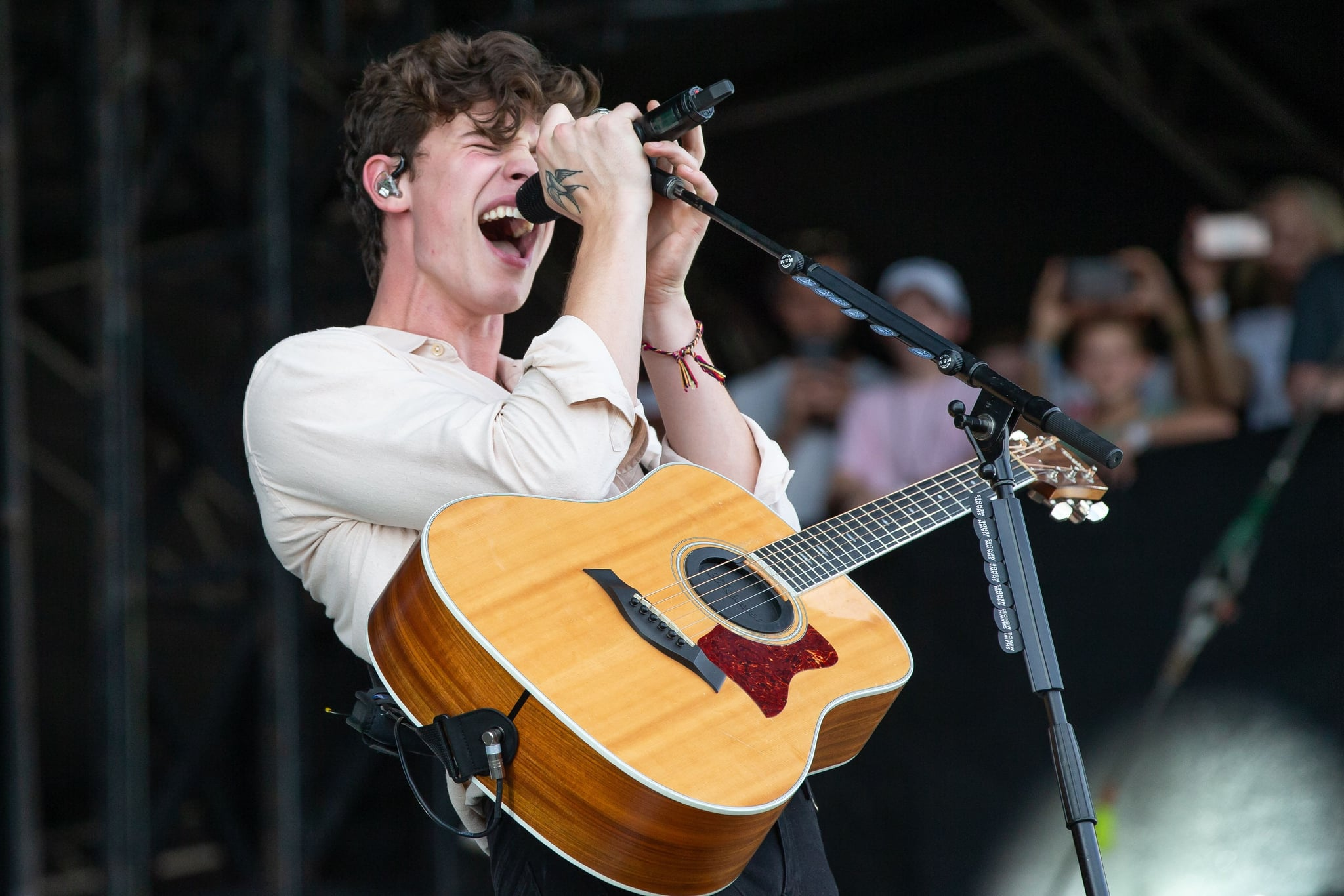 Canadian singer and songwriter Shawn Mendes performs during the 2018 Austin City Limits Music Festival at Zilker Park on October 14, 2018 in Austin, Texas. (Photo by SUZANNE CORDEIRO / AFP)        (Photo credit should read SUZANNE CORDEIRO/AFP/Getty Images)