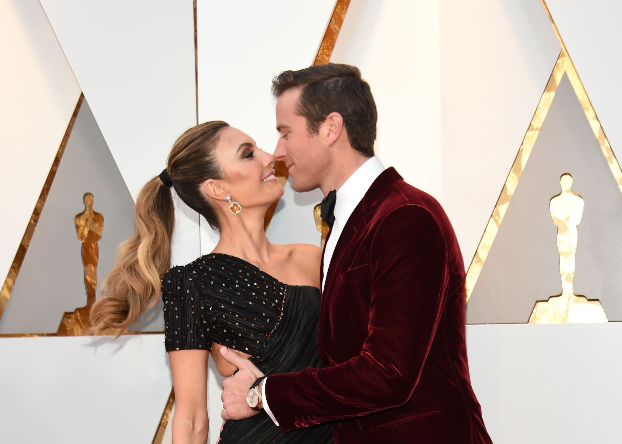 Elizabeth Chambers and Actor Armie Hammer arrive for the 90th Annual Academy Awards on March 4, 2018, in Hollywood, California.  / AFP PHOTO / VALERIE MACON        (Photo credit should read VALERIE MACON/AFP/Getty Images)