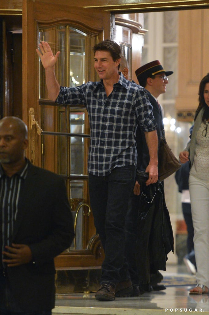 Tom Cruise greeted fans in Argentina.
