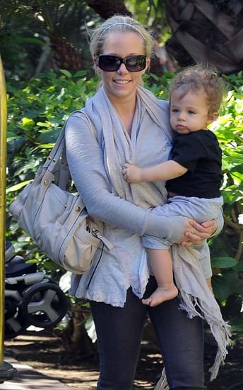 Kendra Wilkinson took her son Hank Baskett IV to a local hotel on Saturday afternoon (November 13) to hang with some girlfriends
