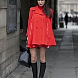 Caroline Sieber kept it all in the same sharp red and black palette.