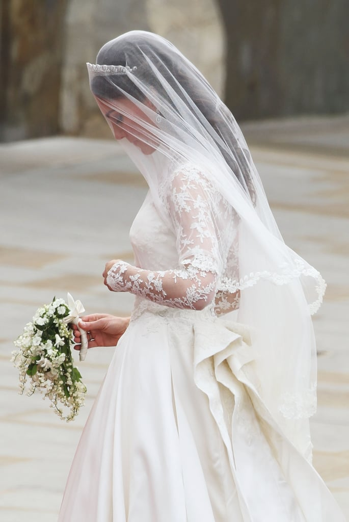 Kate middleton 39 s wedding dress popsugar fashion for Princess catherine wedding dress