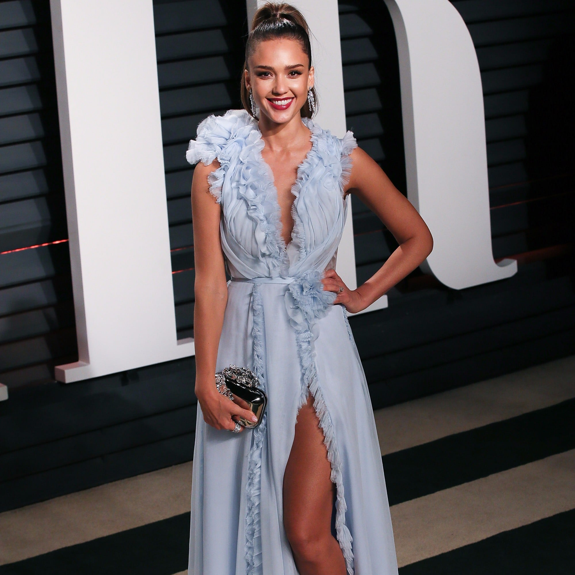 Jessica Alba s Dress at the 2017 Oscars Afterparty   POPSUGAR Latina f0042a2a0435
