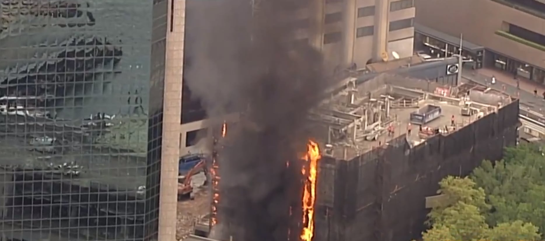 A Huge Fire Has Broken Out At A Construction Site At The Circular Quay End Of Pitt St In Sydney This Morning The Fire Started On The Eastern Side Of The