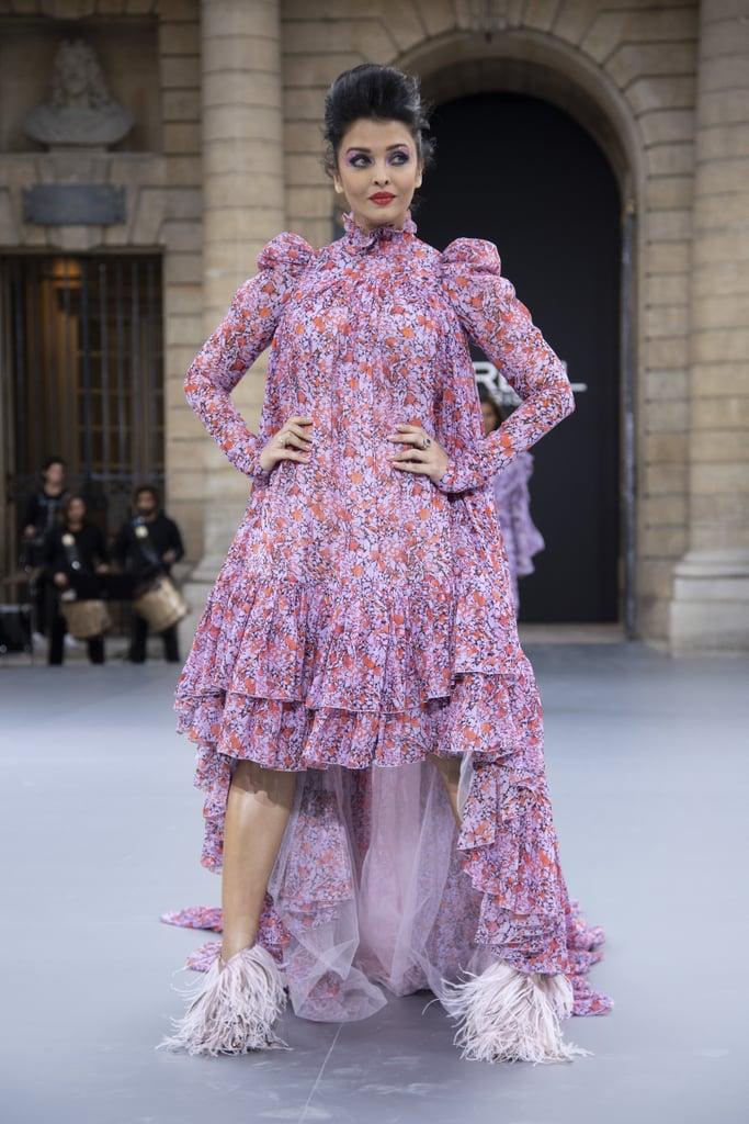 Aishwarya Rai Walks Le Défilé L'Oréal Paris 2019