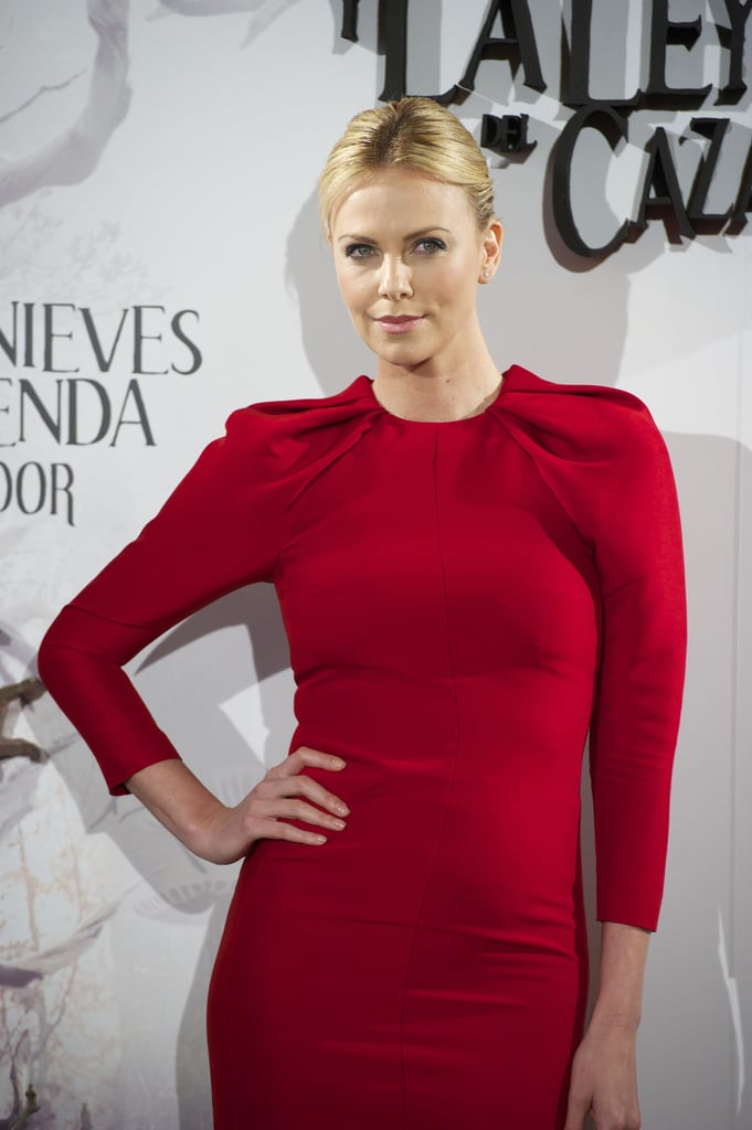 A closer look at the pleated shoulder detailing on Charlize's Giambattista Valli dress.