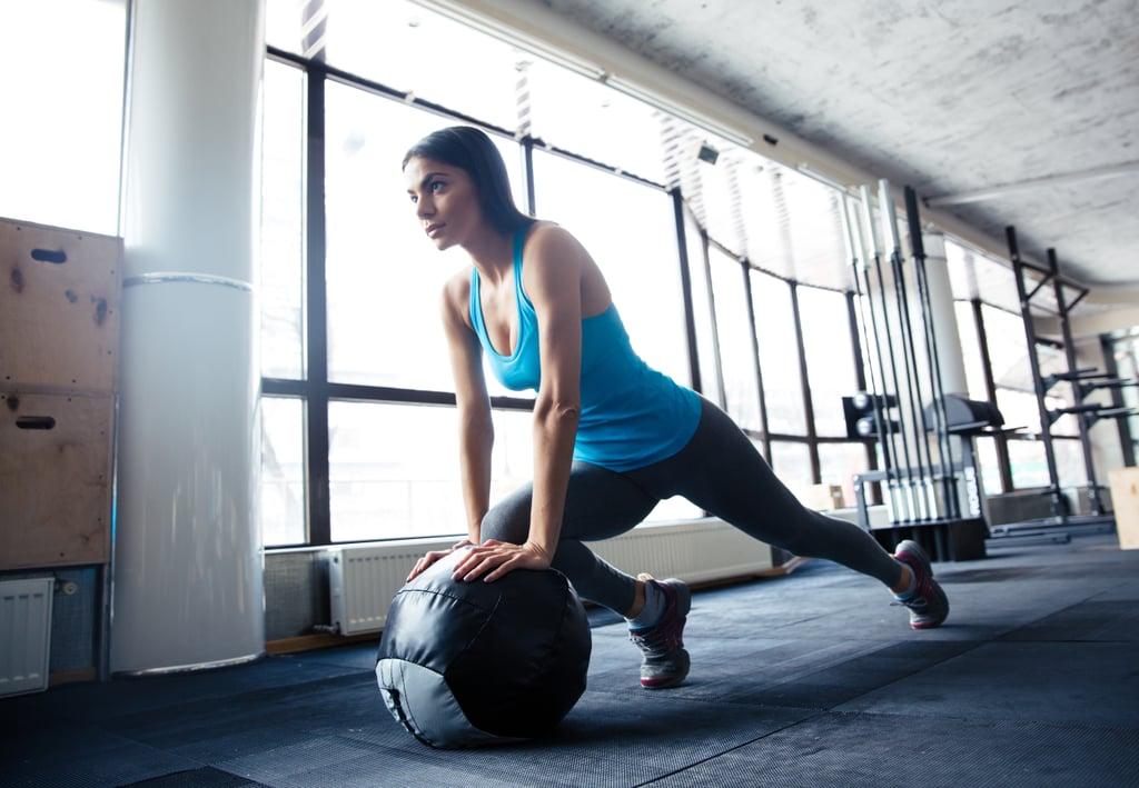 تمرين لكامل الجسم في النادي خاص بالنساء