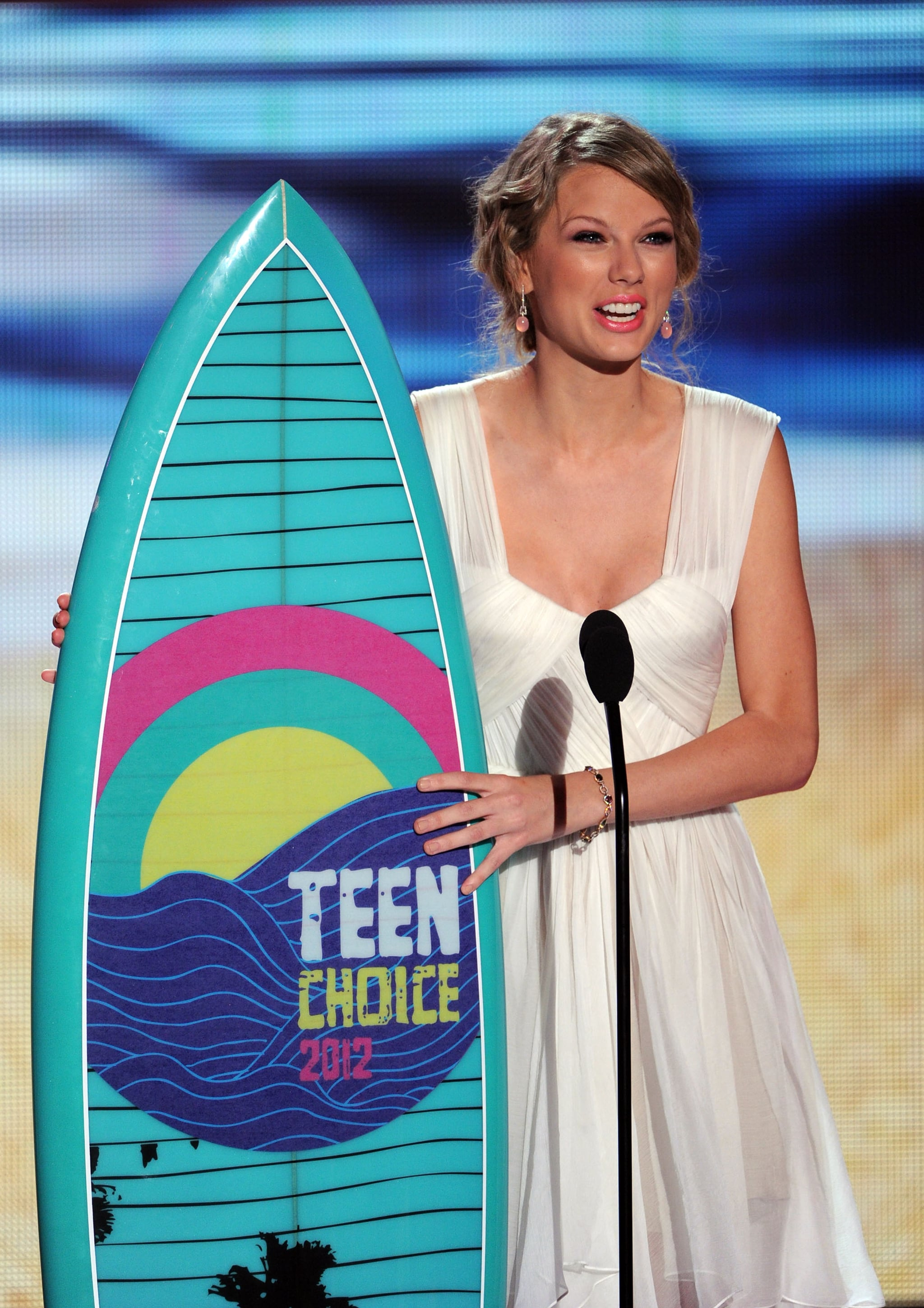 She accepted her Choice Female Artist award at the Teen Choice Awards in August 2011.