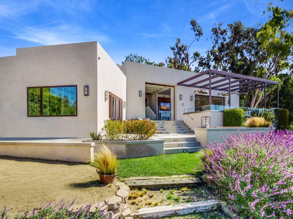 Chris Hemsworth and Elsa Pataky Buy Home in Malibu