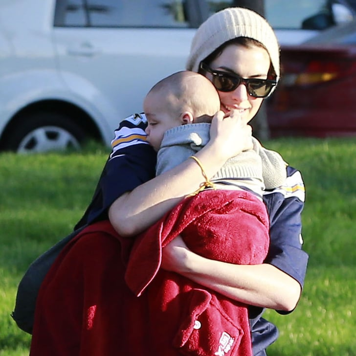 Anne Hathaway Baby: Anne Hathaway Holding A Baby At The Park In LA