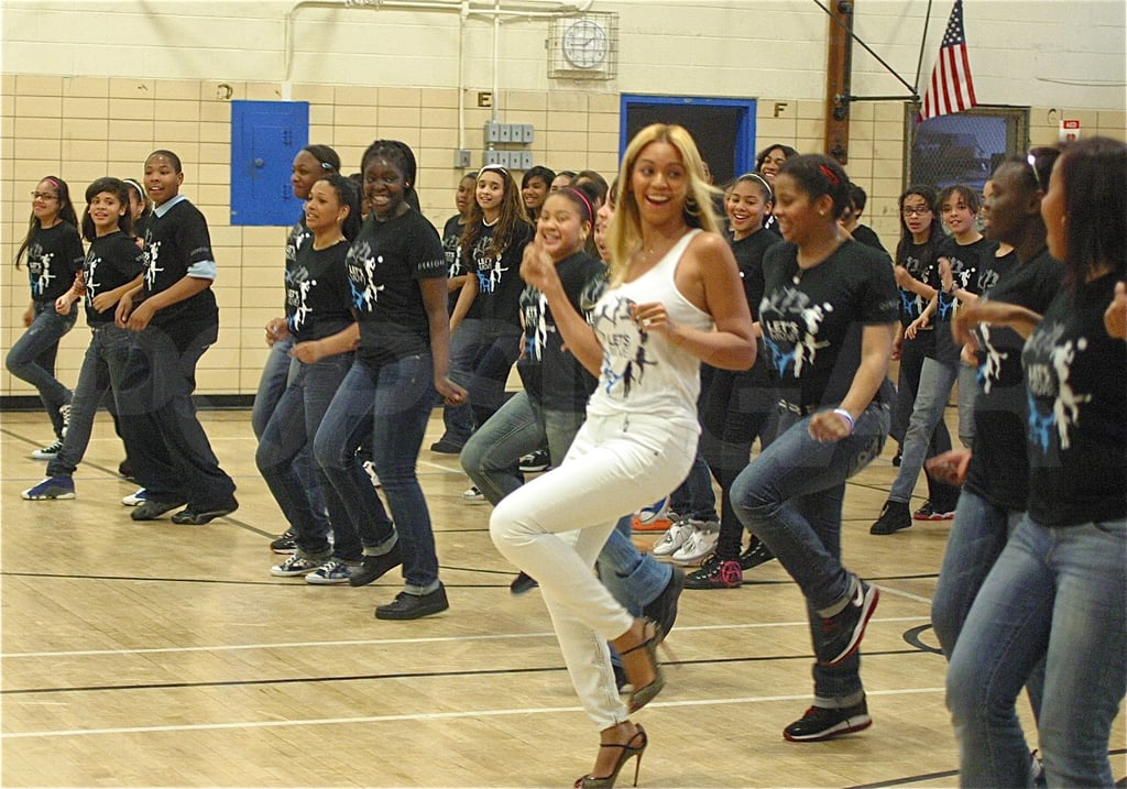 Beyoncé Knowles Surprises High School in the Middle of a Flash Dancing Session!