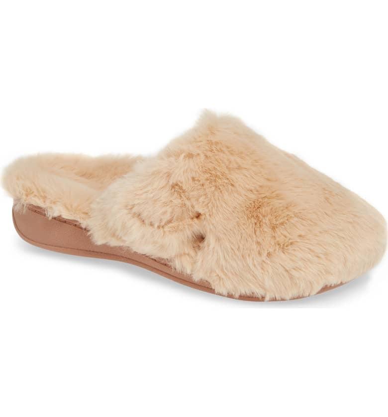 Vionic Gemma Plush Slippers