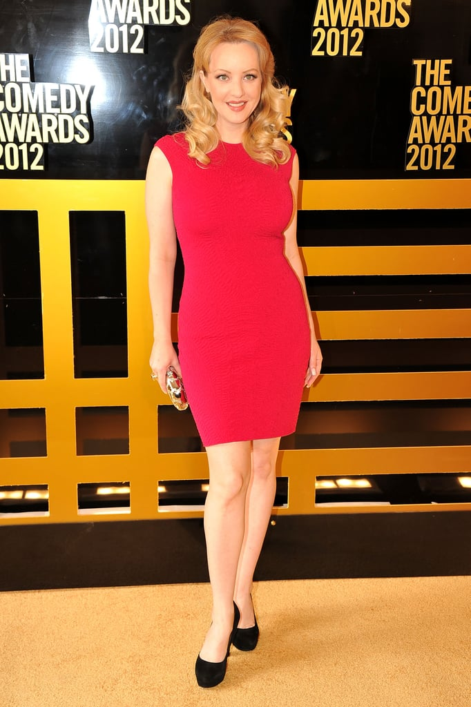 Wendi Mclendon Covey Wore A Bright Red Dress To The Comedy Awards In