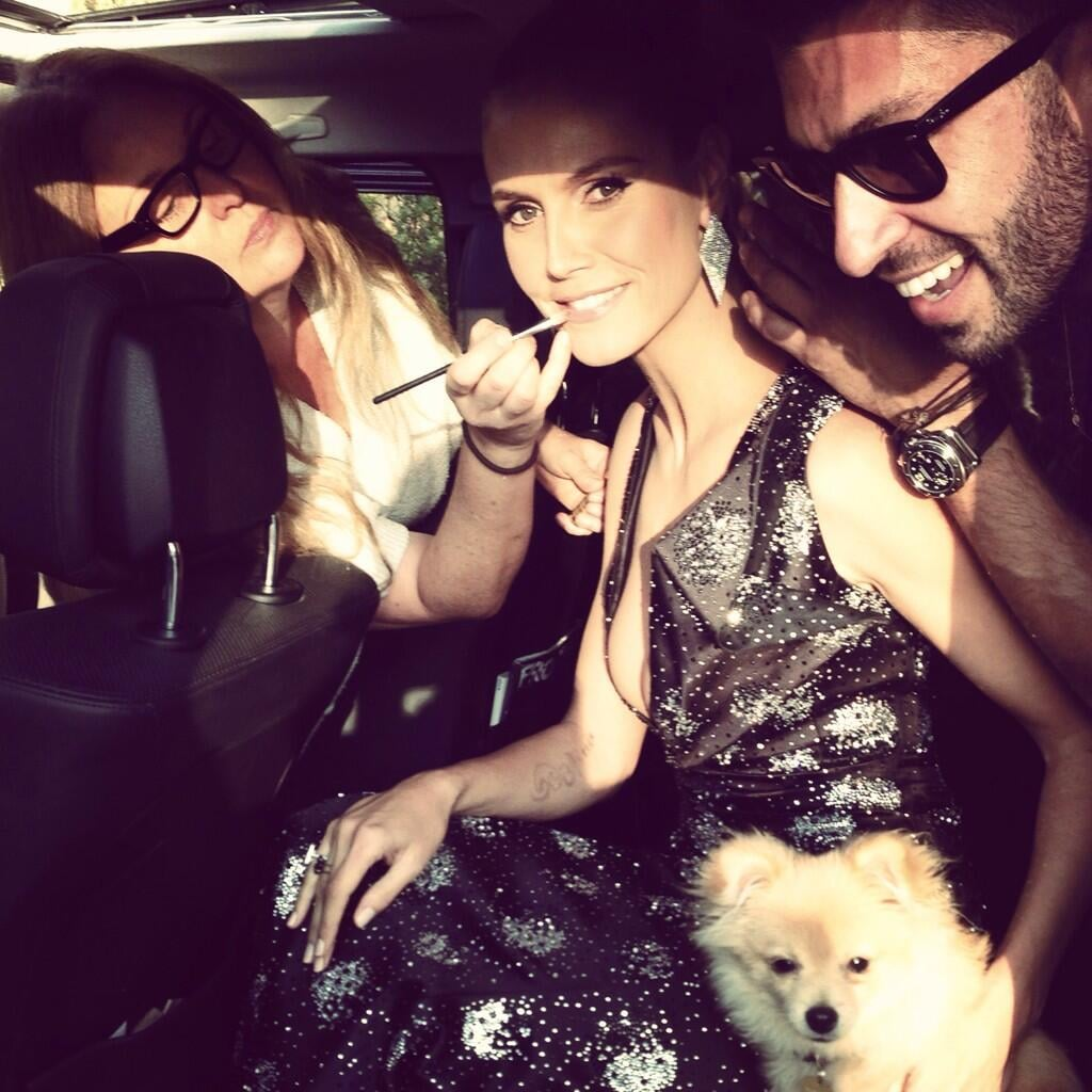 Heidi Klum got glam on the go while heading to the People's Choice Awards. Source: Twitter user heidiklum