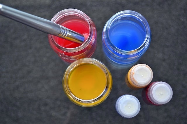 Upcycle Your Baby Food Jars Into Paint Jars