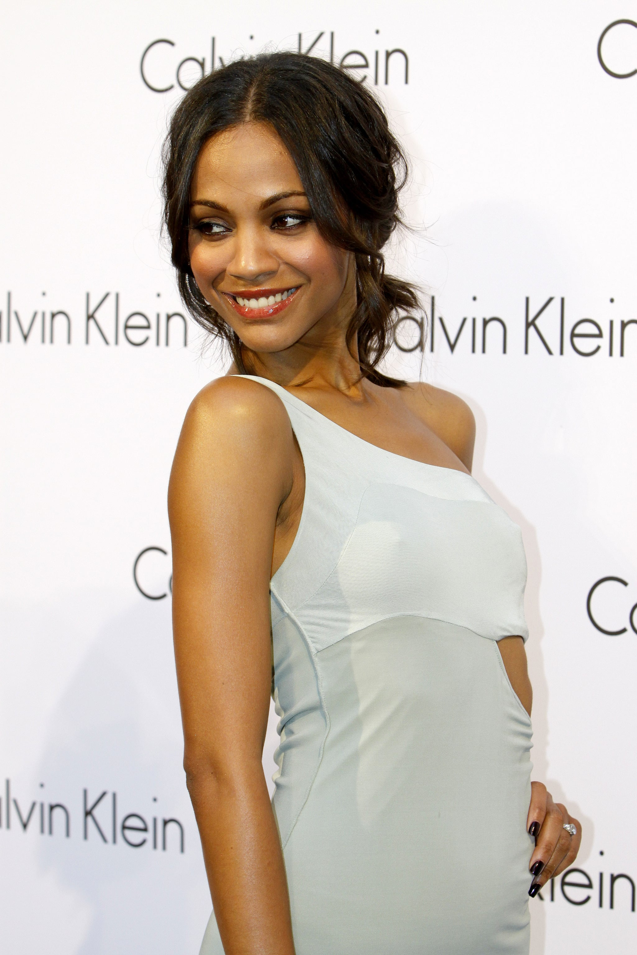 Pictures of Zoe Saldana's Engagement Ring With Kellan Lutz ...