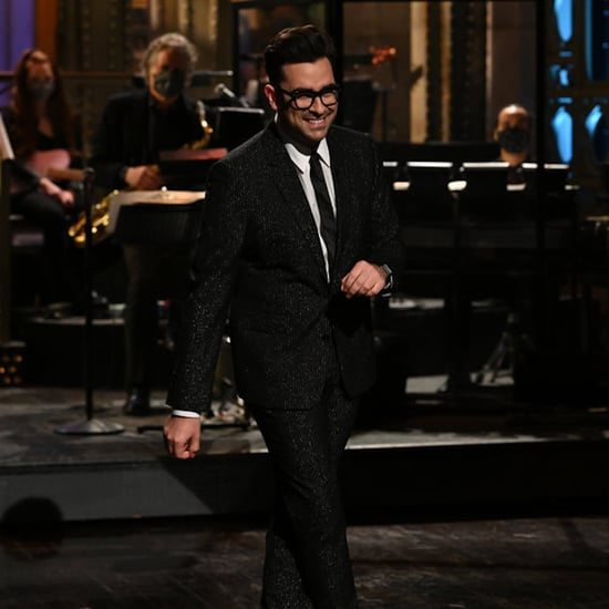 Dan Levy Restarted the Saturday Night Live Note Tradition