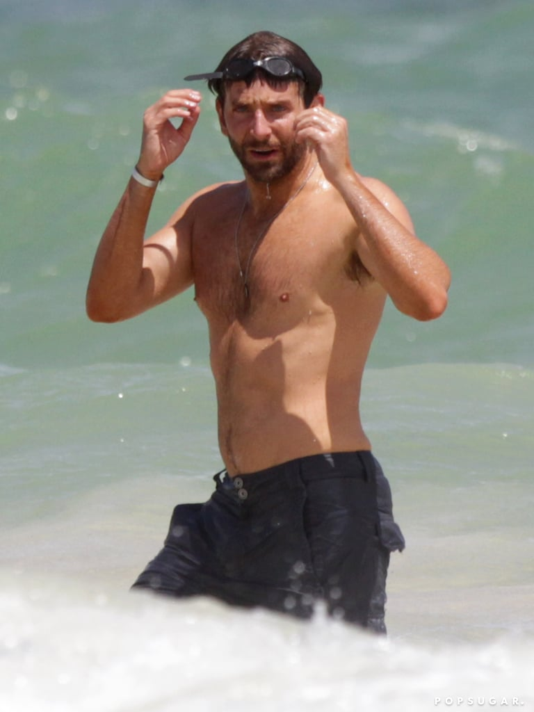 Bradley Cooper and Suki Waterhouse in Hawaii | Pictures