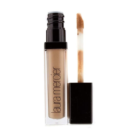 How to Make Concealer Stay on a Spot