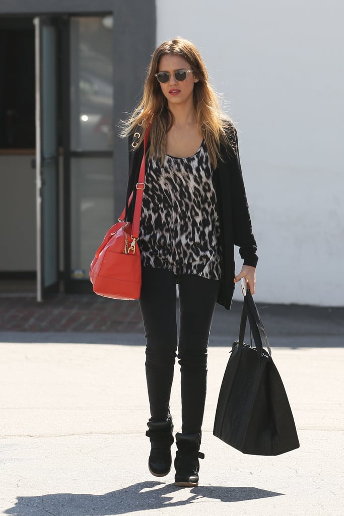 Jessica Alba Picks Up a Healthy Meal and Preps For a Talk-Show Stop