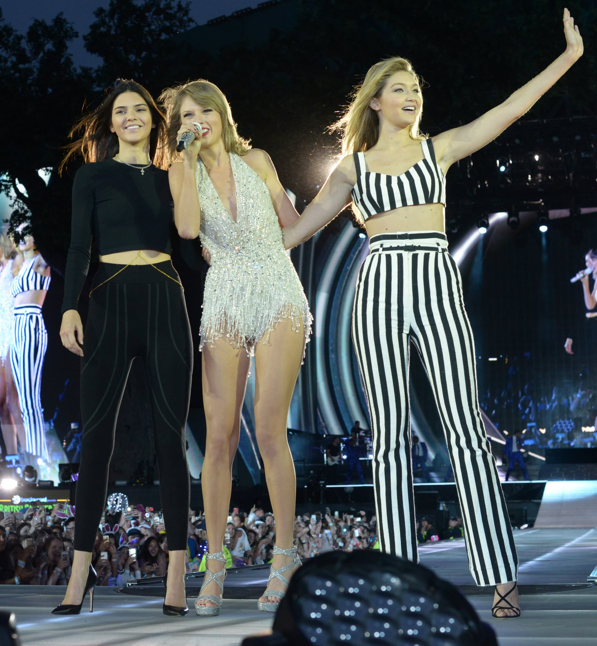 Celebrity Entertainment Taylor Swift Stuns On Stage With Kendall Jenner And Their Famous Bffs Popsugar Celebrity Photo 7