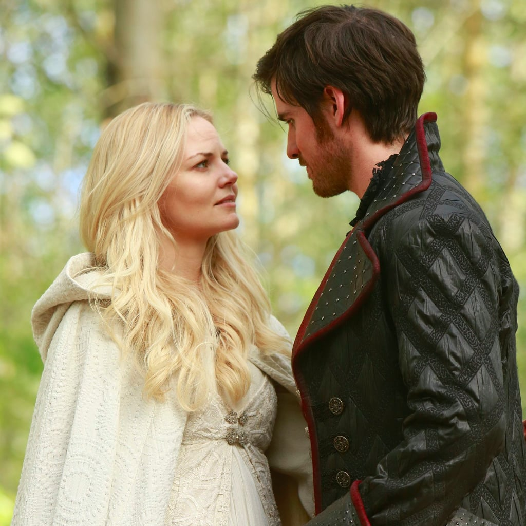 Are emma and hook dating in real life