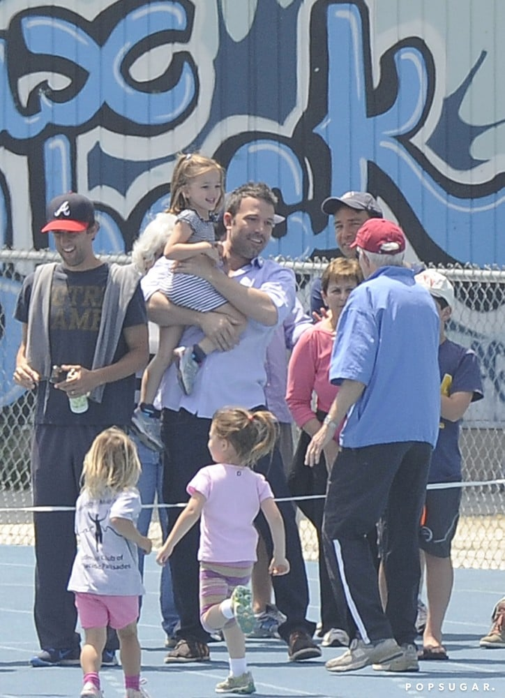 Ben Affleck greeted Seraphina Affleck at the finish line of her race.