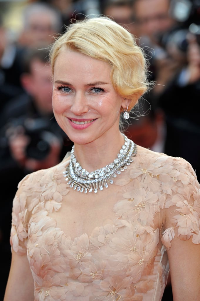 Naomi Watts radiated pure glamour at the Madagascar 3 premiere — let's take a closer look at her feather-accented Marchesa bodice and Chopard white diamond collar necklace.