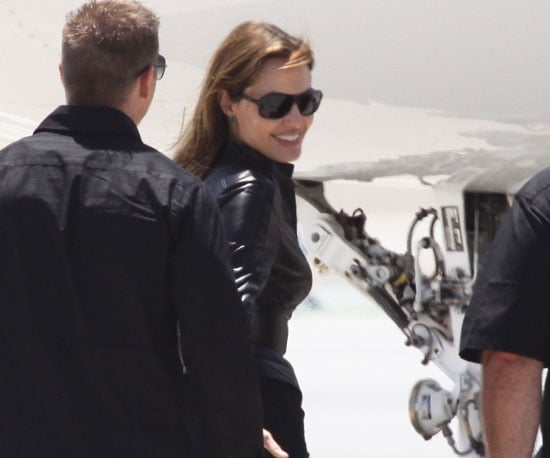 Slide Picture of Angelina Jolie Flying Out of Comic-Con in San Diego