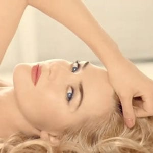 Kate Winslet in a Sexy New Lancôme Lipstick Ad