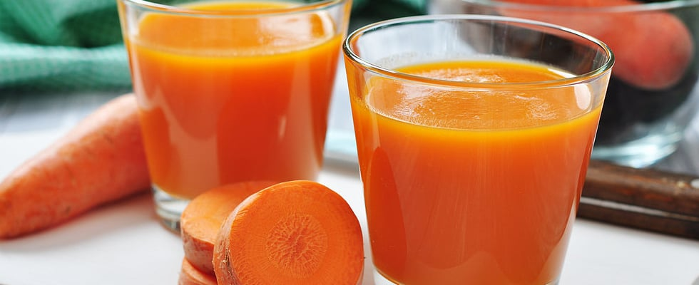 Apple, Carrot & Ginger Juice to Fight the Cold and Flu