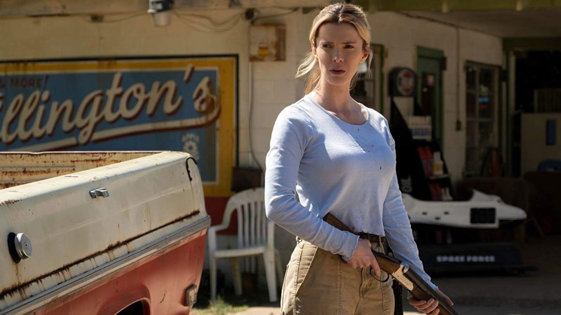 THE HUNT,  Betty Gilpin, 2019.  Universal /Courtesy Everett Collection