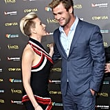 Former co-stars Scarlett Johansson and Chris Hemsworth caught up on the red carpet.