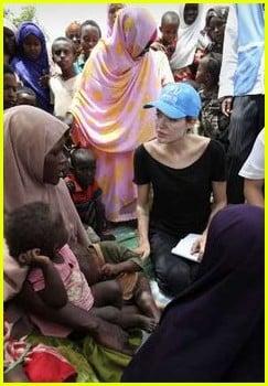 Angelina Jolie visits Somali Refugees in Kenya