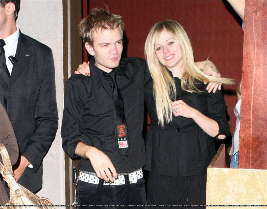 Avril Spits then Says Sorry