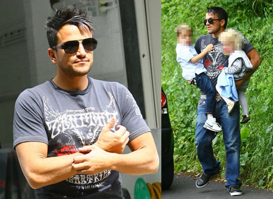 9/6/2009 Peter Andre Moving In to New House