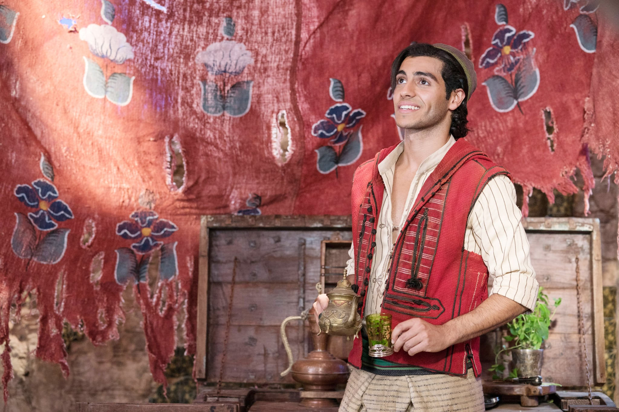 ALADDIN, Mena Massoud as Aladdin, 2019. ph: Daniel Smith /  Walt Disney Studios Motion Pictures / courtesy Everett Collection