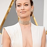 Olivia Wilde looked beyond regal at this year's Academy Awards. Though her flowing dress was certainly eye-catching, we think her choker stole the show.