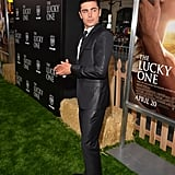 Zac Efron posed at the premiere for The Lucky One in LA.