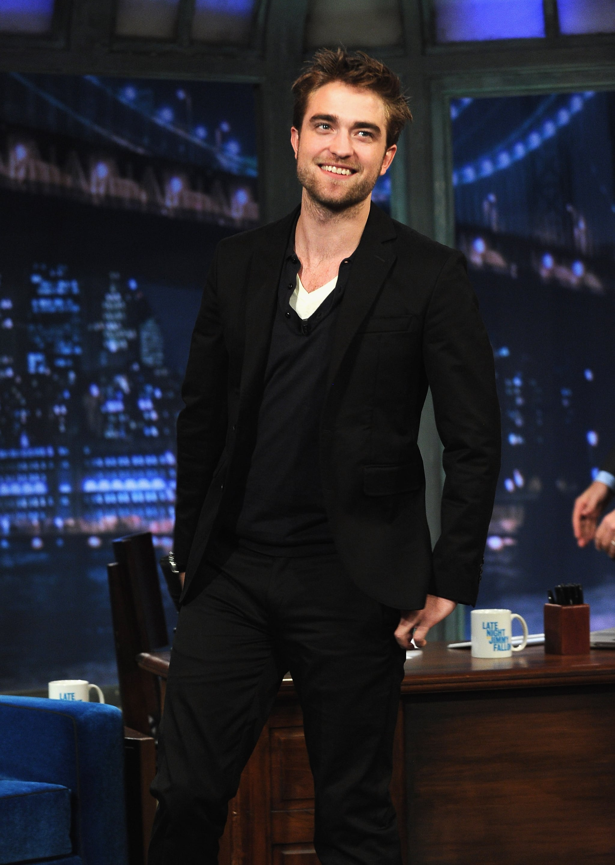 Rob dressed in black for his late-night appearance.