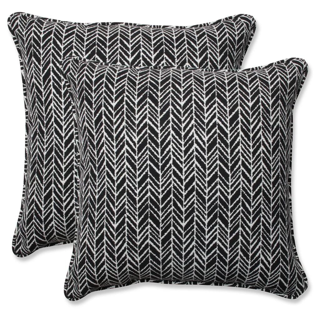 Outdoor/Indoor Herringbone Black Throw Pillow Set